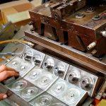 Manutenzione strumenti per lo stampaggio dei rocchetti presso la Fratelli Marchesi Srl - Milano